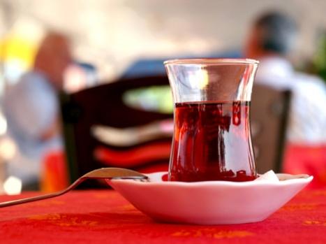 Milli içeceğimiz çayın bir faydası daha ortaya çıktı!