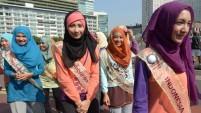 10 Fotoğrafta Müslüman Güzellik Yarışması Rezilliği