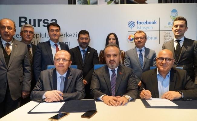 """Bursa'da """"Facebook İstasyonu"""" protokolü imzalandı"""