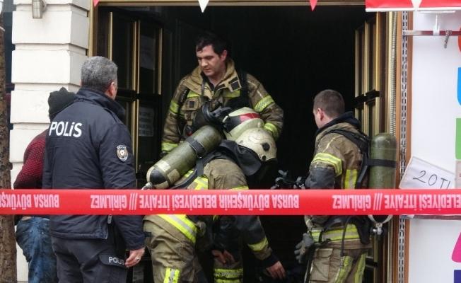 Bursa'da iş hanında yangın