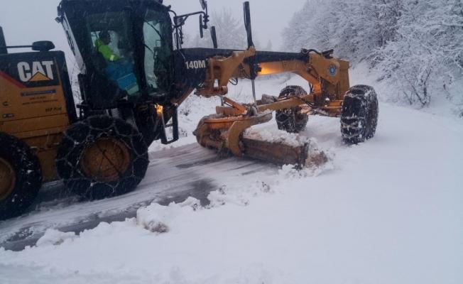 Büyükşehir'den kırsalda karla mücadele