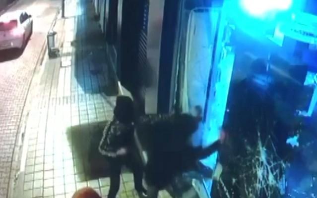 Maskeli hırsızlar güvenlik kamerasına yakalandı
