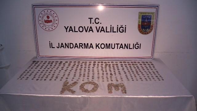 Yalova'da Roma dönemine ait 862 sikke ele geçirildi