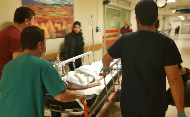 İnegöl'de kamyonetin altında ezilen çocuk ağır yaralandı