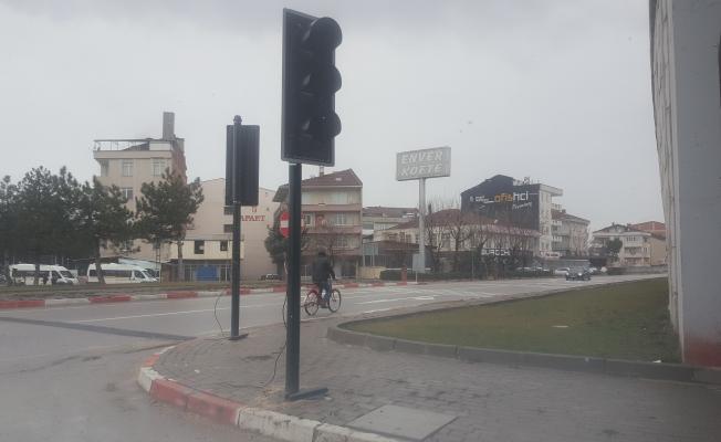 Avarlar kavşağına trafik ışıkları konuldu