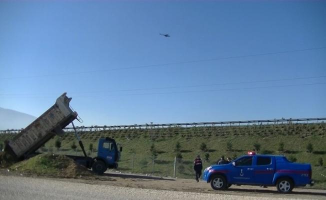 Bursa'da kaçak hafriyat döken sürücüye helikopterli baskın