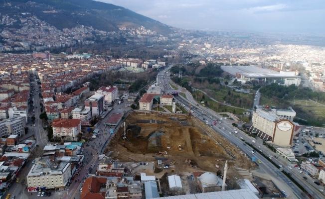 """Dündar: """"Osmangazi Meydanı, Bursa'yı değiştirecek bir mihenk taşı olacak"""""""