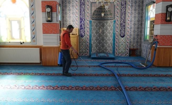 Mustafakemalpaşa camilerinde temizlik seferberliği