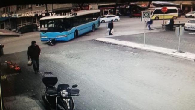 Otobüsün çarptığı kadın hayatını kaybetti
