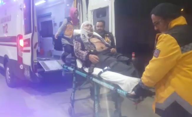 Otomobil önündeki tıra arkadan çarptı: 2 yaralı
