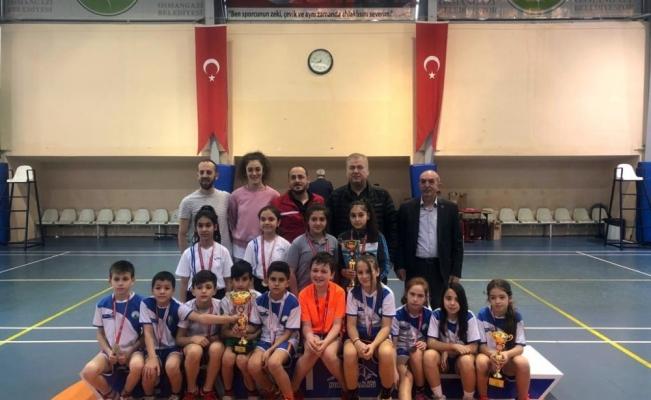Badminton Akademi hız kesmiyor