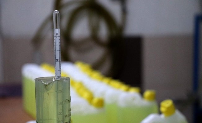 Koronavirüsle mücadelede, önemli ürünlerin ihracına 'ön onay' şartı