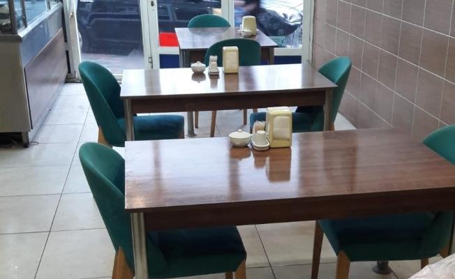 Restoranlarda masalar arası mesafe en az 1 metre olacak