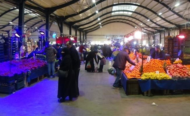 Semt pazarlarında giriş ve çıkışlar ayarlandı