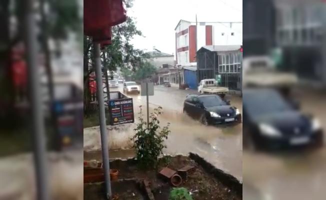 İznik'te yağmur hayatı olumsuz etkiledi