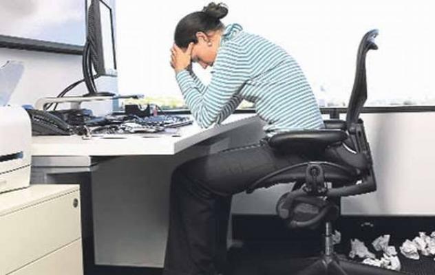Koronavirüs döneminde bilgisayarda fazla vakit geçirenler dikkat