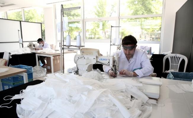 Nilüfer'de işitme engelli ve çocuklara özel maske üretiliyor