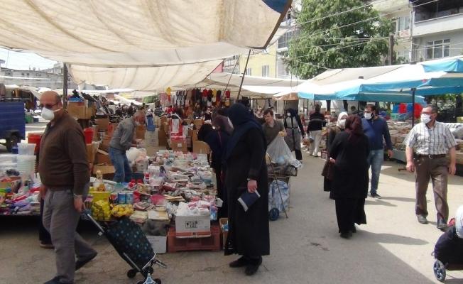 Kısıtlama sonrası semt pazarında yoğunluk