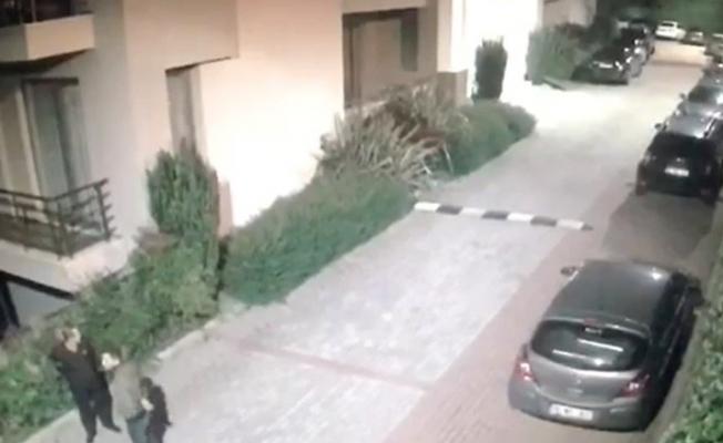Silahlı saldırganların kaçış anları kameralara yansıdı