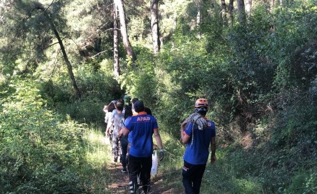 Doğa yürüyüşüne çıkan 3 genç kız ormanda kayboldu