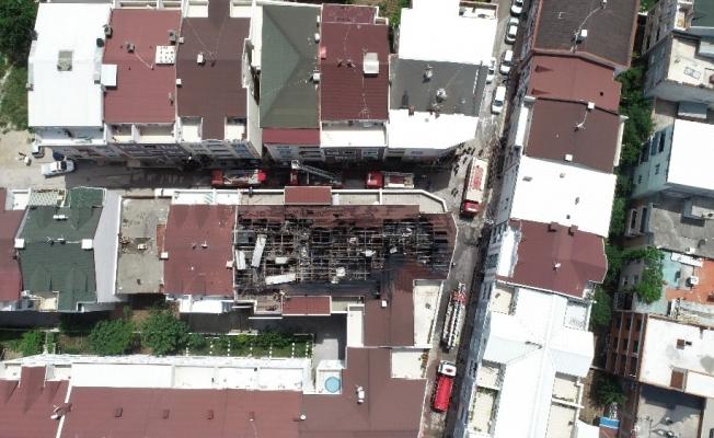 Sitenin çatısı alev alev böyle yandı