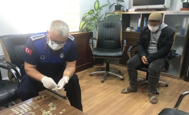 Bursa'da dilencilere sivil ekiplerle operasyon