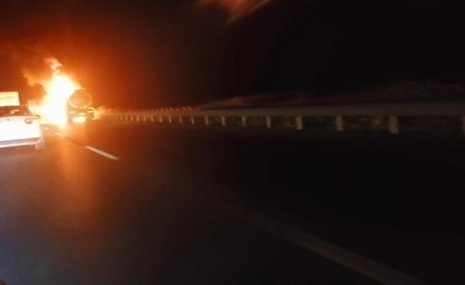 Tanker alev alev yandı