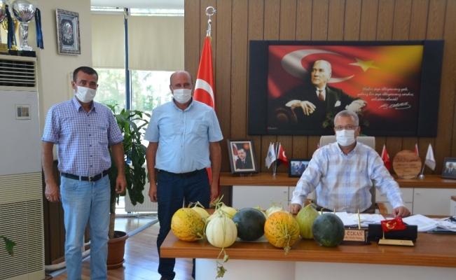 Başkan Özkan'a en doğal hediye