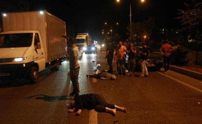Bursa'da motosiklete otomobil çarptı: 2 ağır yaralı