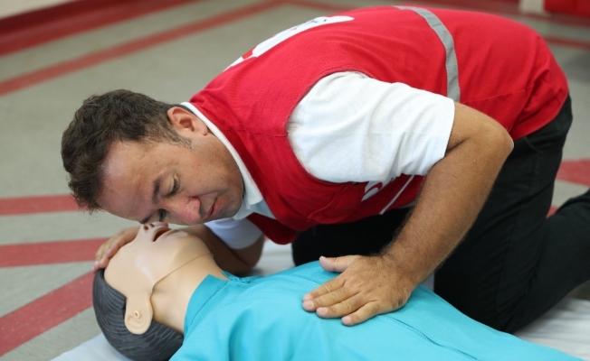 Kızılay'dan pandemi sürecinde de ilk yardım seferberliği