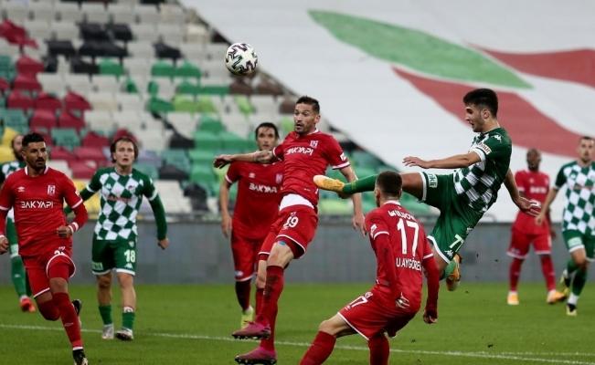 TFF 1. Lig: Bursaspor: 1 - Balıkesirspor: 1 (İlk yarı sonucu)