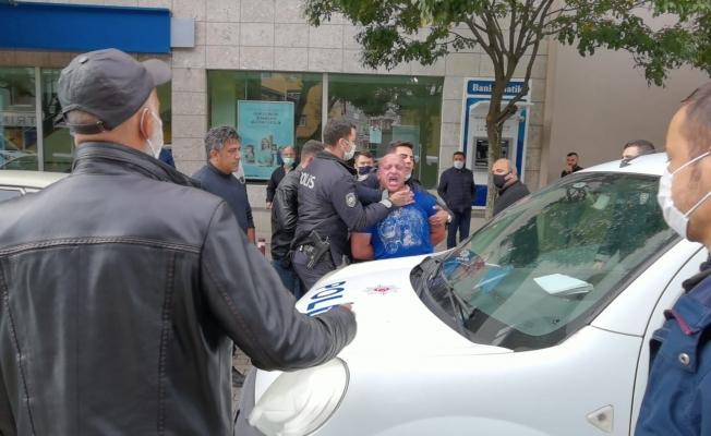 Polisler zor zaptetti! Ortalığı birbirine kattı!