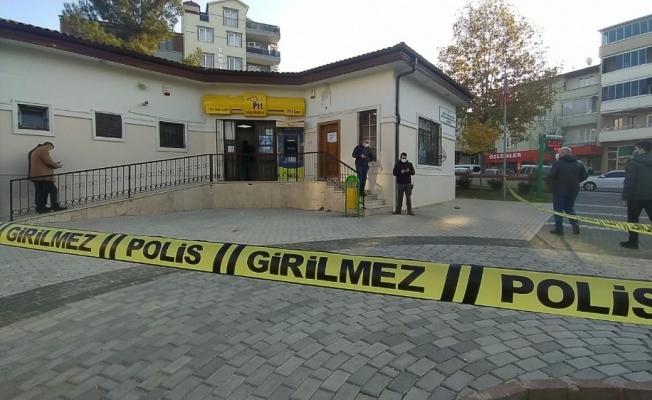 Bursa'da maskeli ve silahlı şahıslar PTT'yi soydu