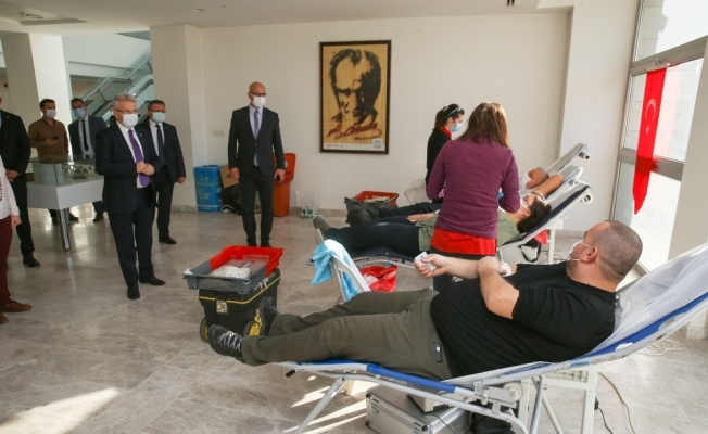 Nilüfer Belediyesi çalışanlarından kan bağışı