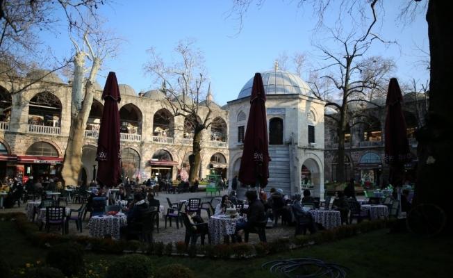 (Özel) Bursa'nın tarihi hanları ve çarşıları 4 ay sonra şenlendi