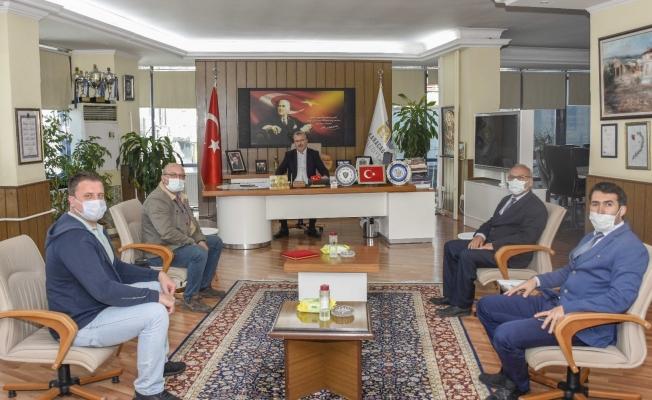 Başkan Özkan'a okula destekleri için teşekkür ziyareti