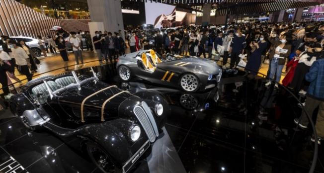 Çin'deki otomobil fuarında otonom araçlar öne çıktı