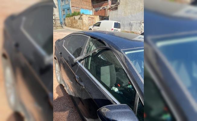 İlçe başkanının otomobiline çirkin saldırı