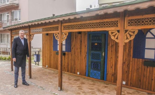 Karacabey'de Osmanlı motifleri taşıyan parkta sona doğru