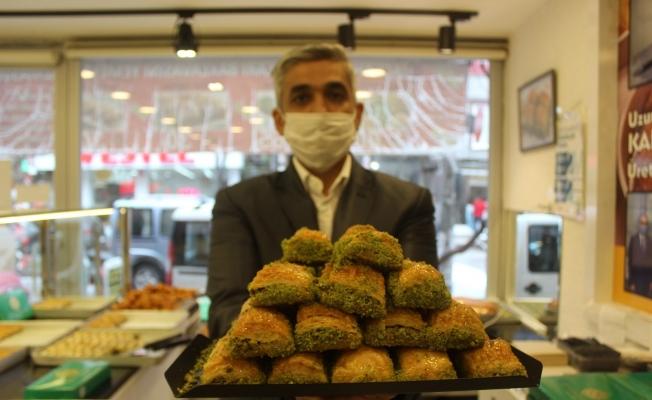 (Özel) Ramazan öncesi fıstıklı baklavalarda yüzde 50 indirim