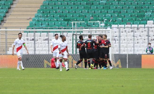 Süper Lig: Fatih Karagümrük: 2 - FT Antalyasppor: 1 (İlk yarı)