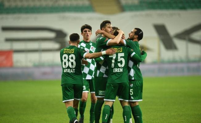 TFF 1. Lig: Bursaspor: 1 - İstanbulspor: 2