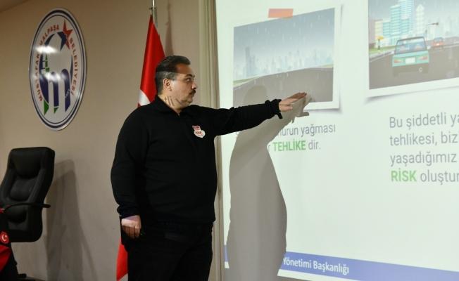 Belediye personeline afet farkındalık eğitimi