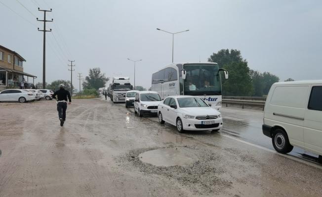 Bursa'da zincirleme kaza; 5 yaralı