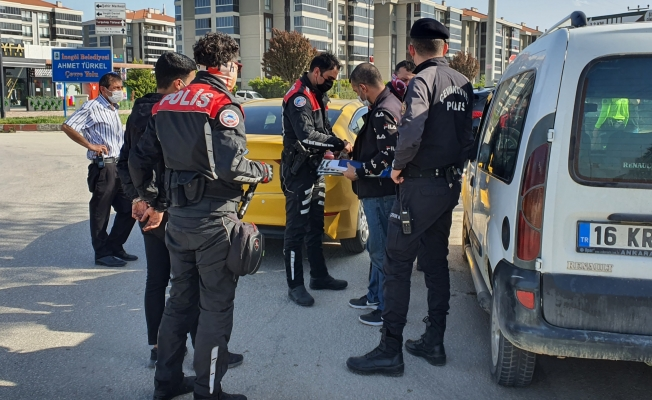 Hırsızlık şüphelileri ticari taksiyle seyahat ederken yakalandılar