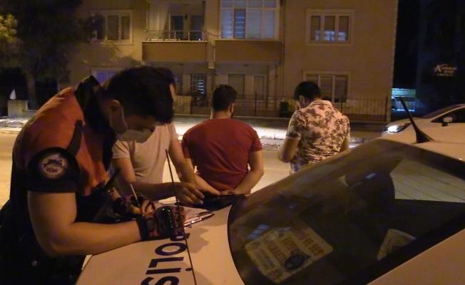Polise boş kağıdı izin belgesi olarak gösterdiler, cezayı yediler