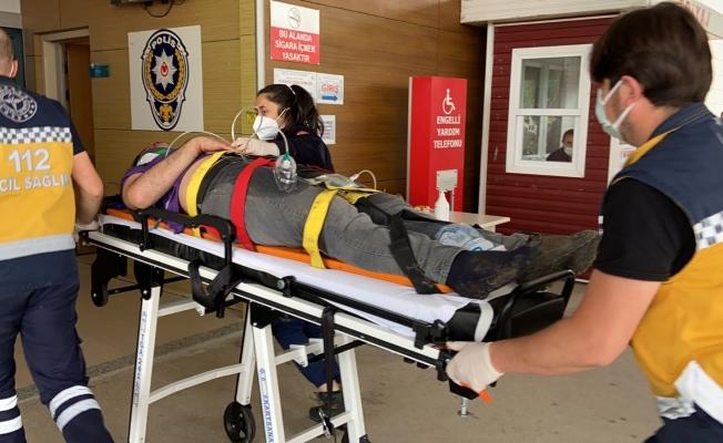 Bursa'da fabrikanın çatısından düşen işçi ağır yaralandı