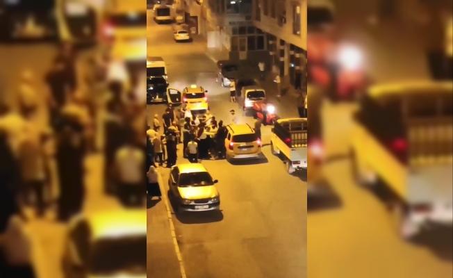 Bursa'da yayaya çarpan taksici darp edildi