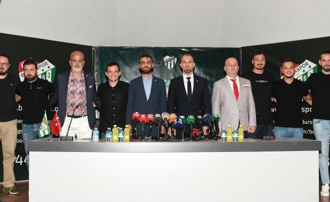 Mustafa Er, Bursaspor'la 3 yıllık resmi sözleşmeye imza attı
