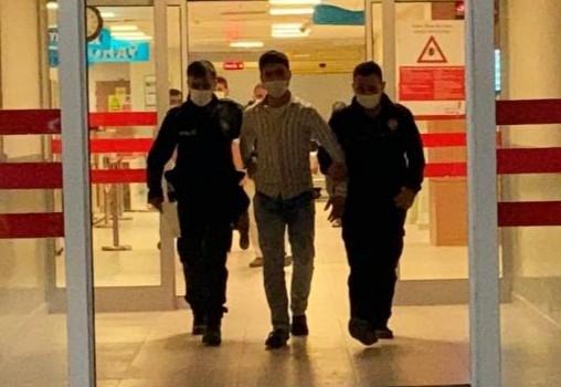 Sahtesi, gerçek polise yakalandı